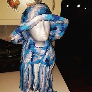 A blue hat and scarf set
